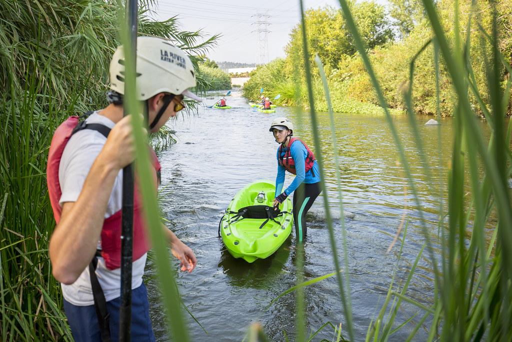 El Kayak es una de las alternativas de ocio que ofrece el río Los Ángeles a la población local y los turistas. Foto de Pacific Southwest Region USFWS.